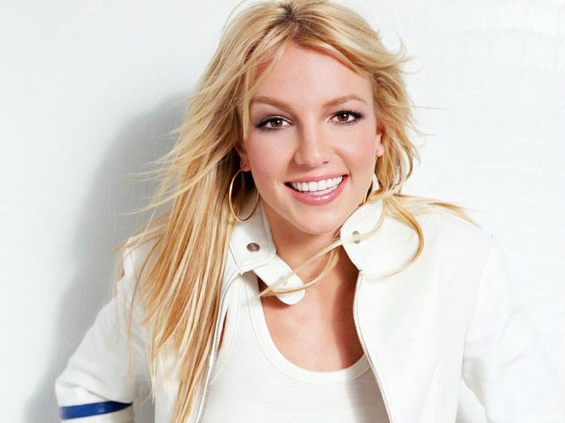 Britney Spears rinoplastica prima 2
