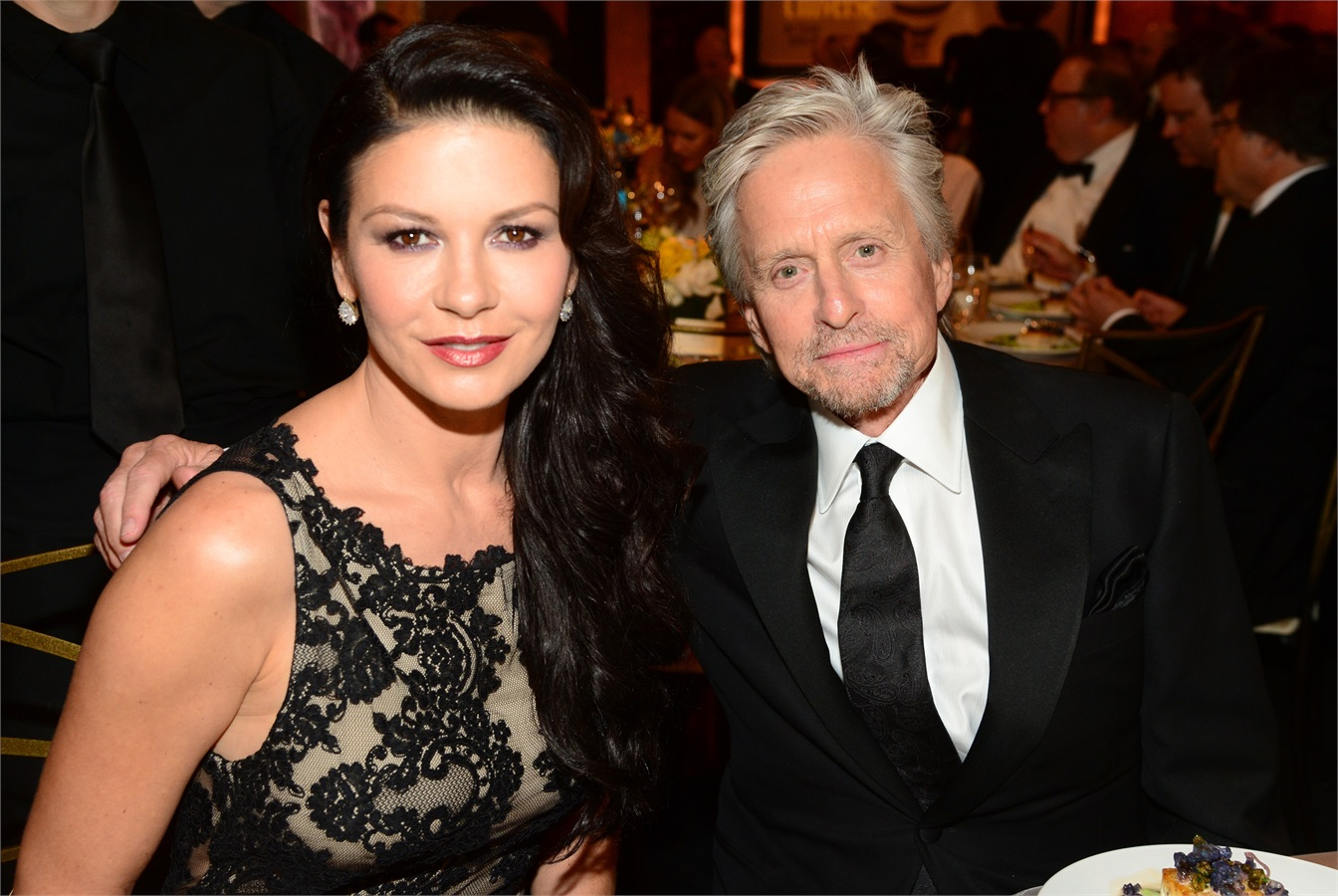 catherine-zeta-jones-rifatta-5